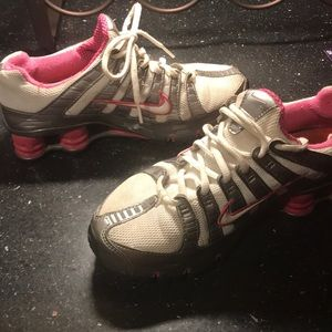 Shock Nike tennis shoe